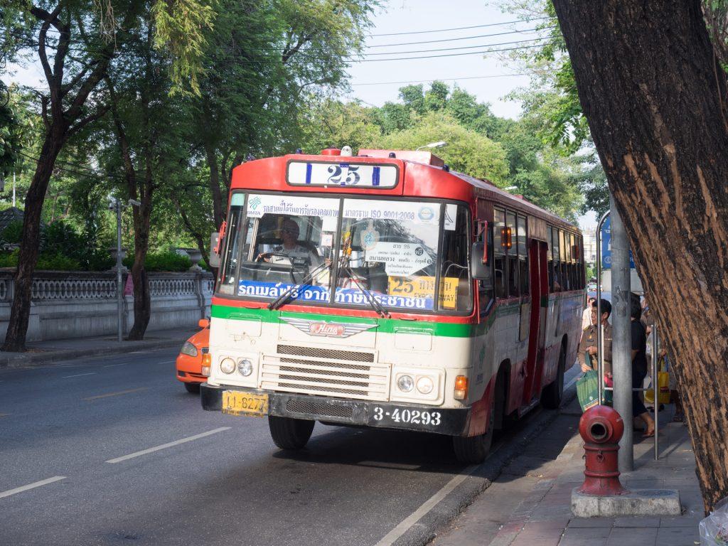 路線バスもエアコンなしなら乗車賃はなんと数十円!