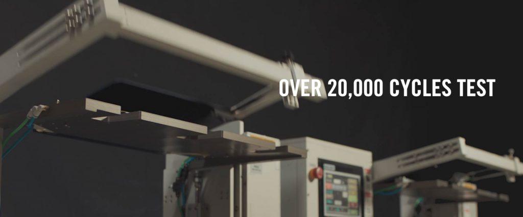 UX370 ErgoLift hinge testing